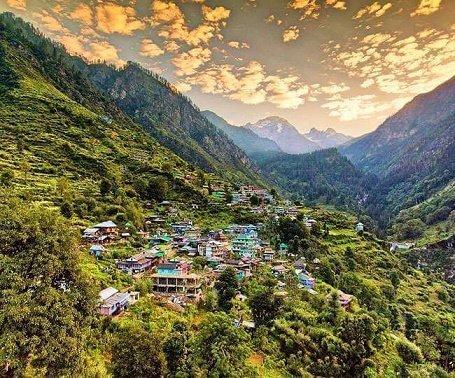 देव भूमि हिमाचल प्रदेश (Himachal Pradesh) ने सीमाएं खोलीं