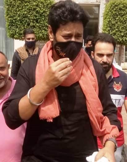 किसानों (Farmers) के हक में उतरे पंजाबी सिंगर (Punjabi Singer)