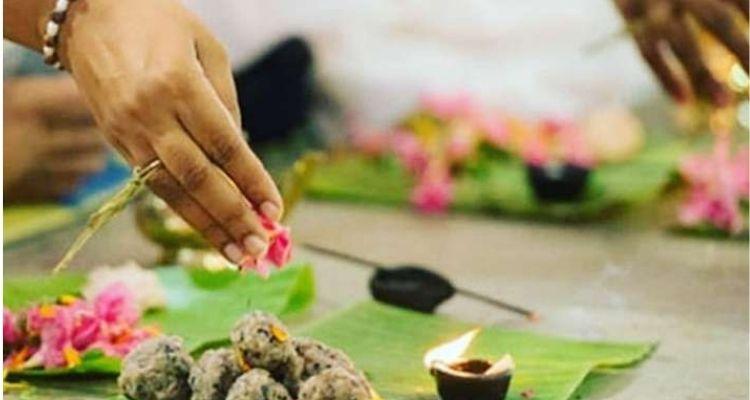 श्राद्ध में तर्पण, पिंडदान और ब्राह्मण भोजन ये तीन चीजें खास तौर से होती हैं।