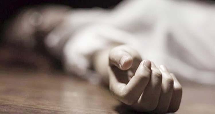 किडनी पेशेंट को लेकर ई-रिक्शा पर अस्पतालों में भटकती रही मां, बेटे ने गोद में दम तोड़ा
