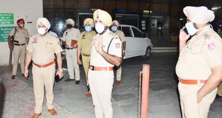 सिविल अस्पताल लुधियाना में पहुंची पुलिस पार्टी।