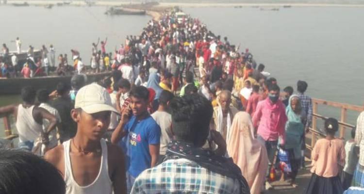 पटना में बड़ा हादसा: पुल से गंगा में गिरी गाड़ी, 10 से अधिक लोगों की मौत; गोताखोरों की सहायता से शवों को निकालने का काम जारी