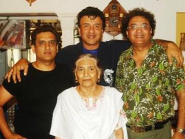 अनु मलिक की मां का निधन, स्ट्रोक आने के बाद अस्पताल में थीं भर्ती
