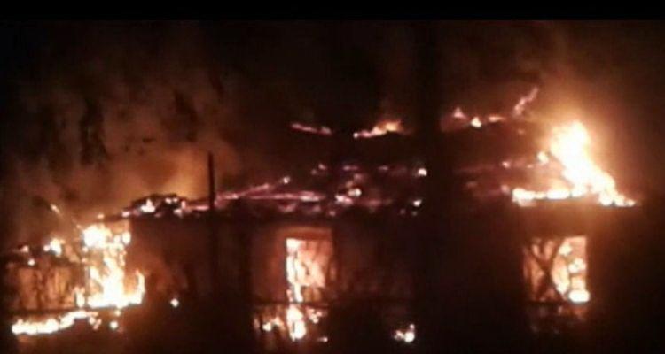 लड़की पक्ष ने बस्ती में घुसकर जला डाले मकान, दो दर्जन के खिलाफ केस