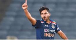टी-20 वर्ल्ड कप के लिए अक्षर पटेल की जगह शार्दूल ठाकुर भारतीय टीम में शामिल