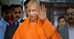 दिल्ली के लिए रवाना हुए सीएम योगी आदित्यनाथ, गृहमंत्री अमित शाह से करेंगे मुलाक़ात