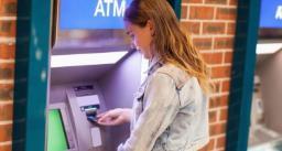 Public utility - लिमिट से ज्यादा ATM ट्रांज़ैक्शन की तो बैंक को देने पड़ेंगे ज़्यादा पैसे, जानें कब से