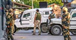 जम्मू-कश्मीर में हुआ आतंकी हमला - आतंकियों ने सुरक्षाबलों पर अंधाधुंध गोलियां चलाई, 2 पुलिसकर्मी शहीद