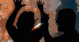सो रही पत्नी के सिर पर 12 बार लोहे के एंगल से वार कर की हत्या