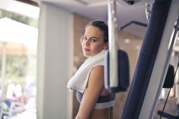 Japanese Towel Exercise – पेट की चर्बी उड़ानी है तो इसे पढ़ लें