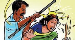 पत्नी और उसके प्रेमी को अपहरण कर कपड़े फाड़कर बेरहमी से पीटा और बाल भी काटे