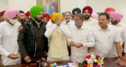 मुख्यमंत्री बनने के बाद चरणजीत सिंह चन्नी ने की पहली प्रेस कॉन्फ्रेंस, भावुक होकर कही ये बात, पढ़ें पूरी ख़बर