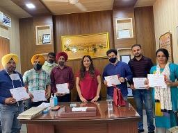 आदमपुर में कोविड टीकाकरण मुहिम की सफलता पर कोरोना योद्धा किए सम्मानित