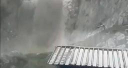 कुदरत का कहर : अमरनाथ गुफा के पास बादल फटा