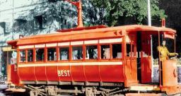 मुंबई में पहली बार चलाई गई घोड़ों से खींची जाने वाली ट्राम कार